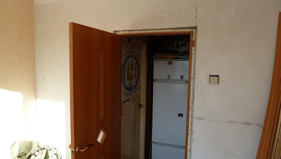 левое открывание двери