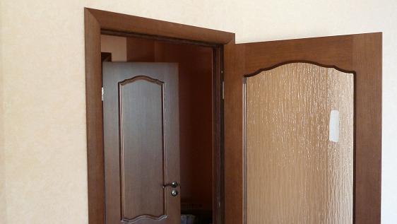 правое открывание двери